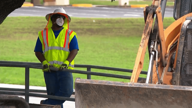 construction worker wearing mask